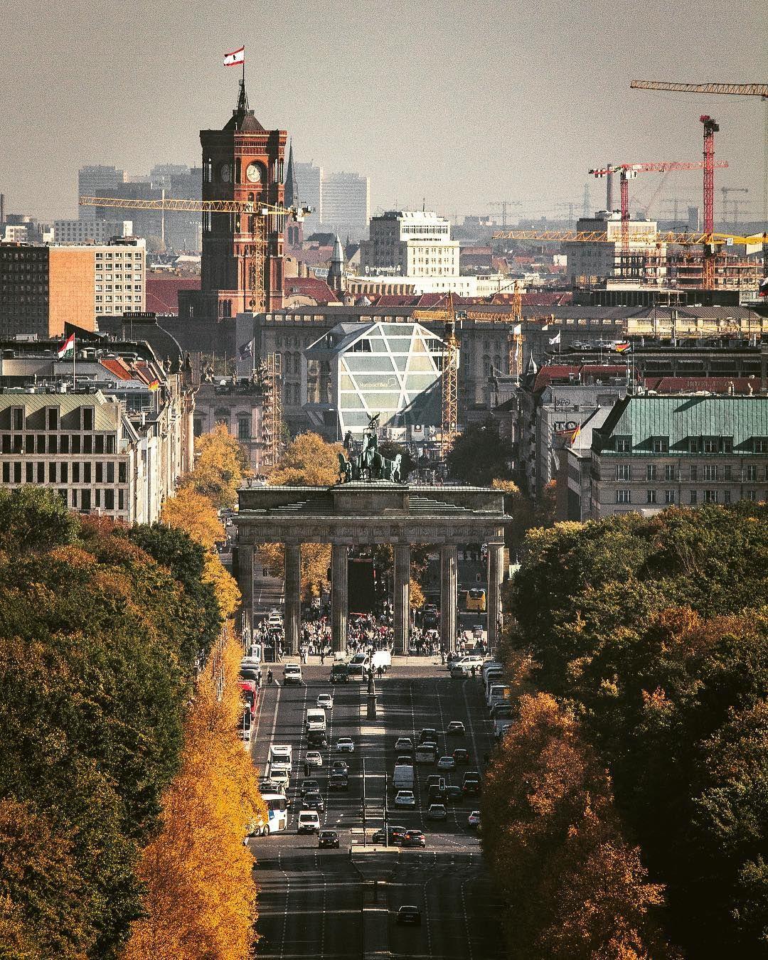 Blick Von Der Siegessaule Richtung Brandenburger Tor