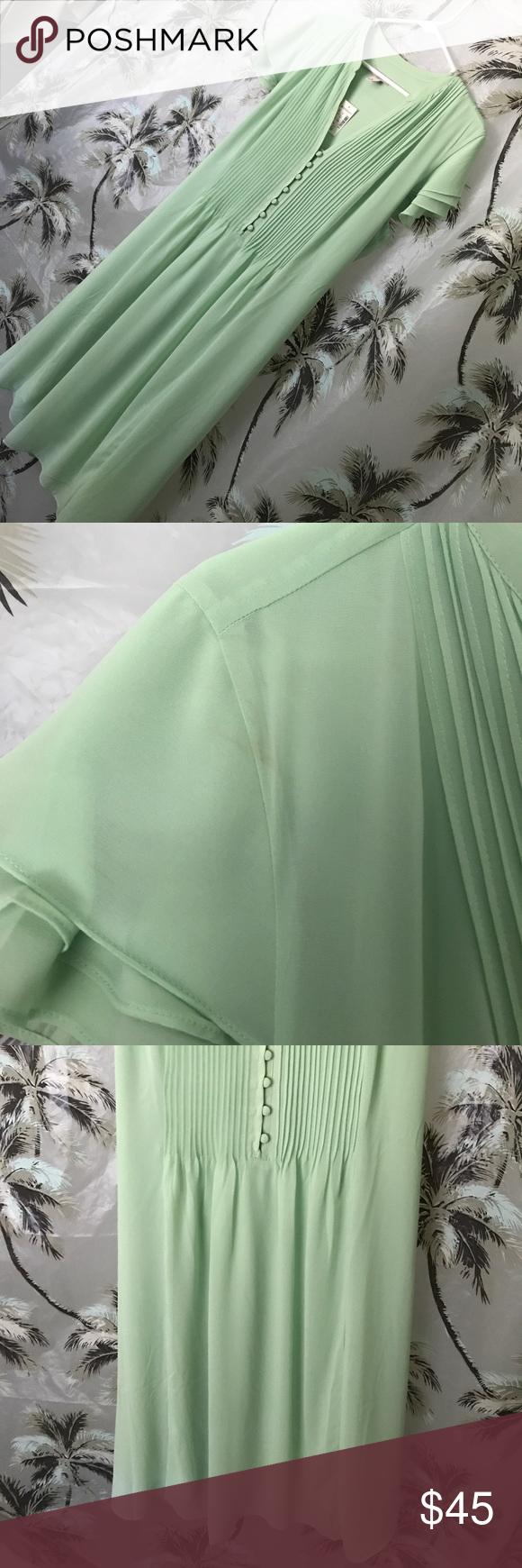 Makeup with mint green dress  Dress Barn Mint VNeck dress NWT  My Posh Picks  Pinterest