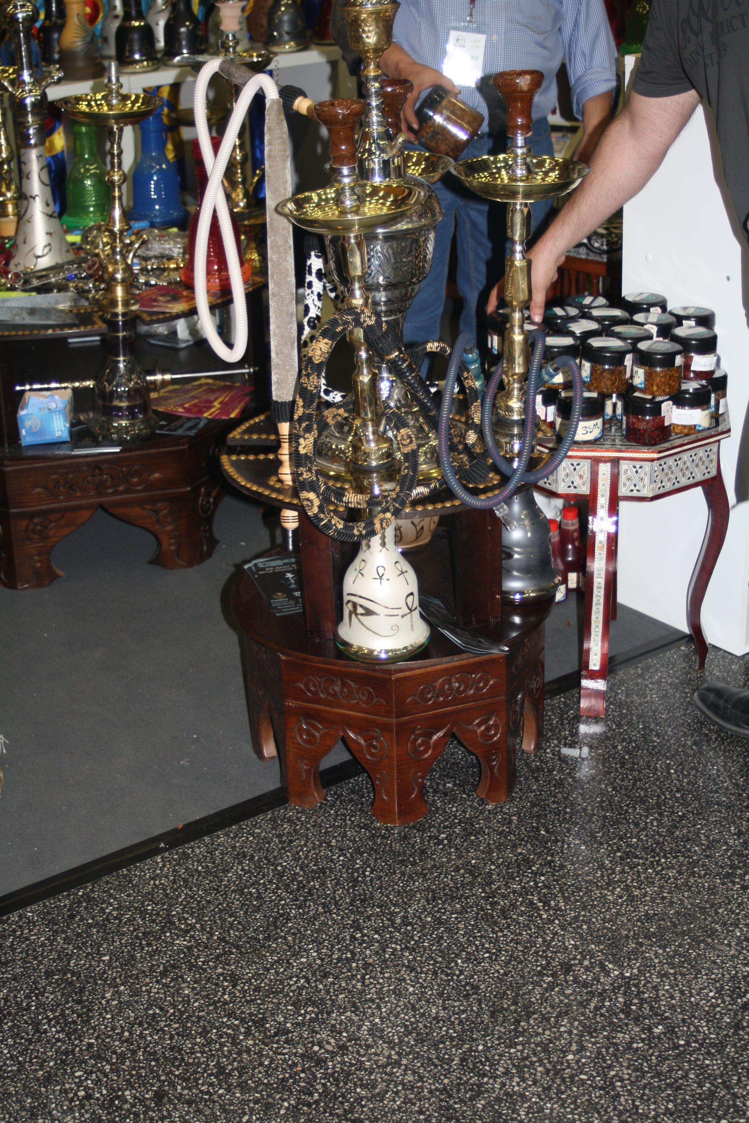 PrakTISCH: Der Neue Shisha Tisch! Ein Möbel, Wodurch Das Umwerfen Einer  Wasserpfeife