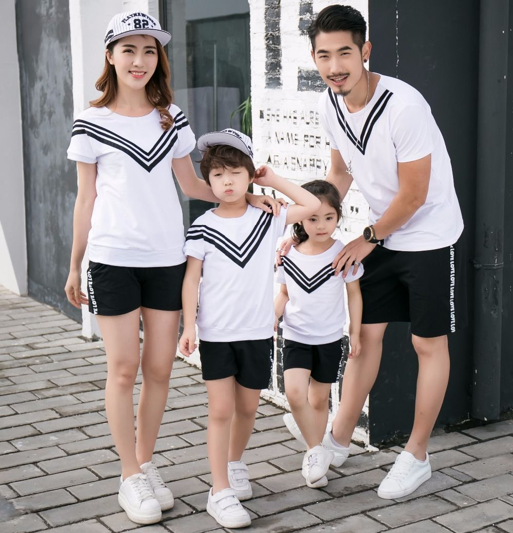 98ea4fc423a80 New Family Matching Outfits Cotton T shirt+Shorts Mother Daughter Father  Son Clothes Family Clothing Sets Casual Family Set HH21