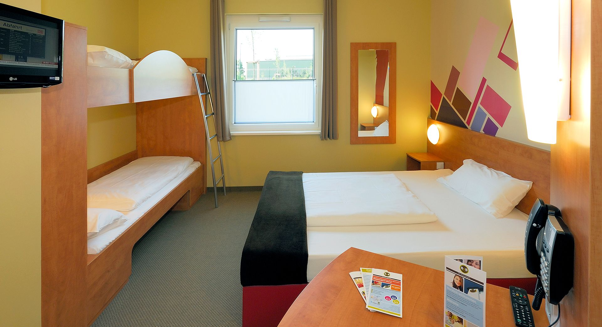 Familienzimmer für 4 Personen im B&B Hotel Düsseldorf