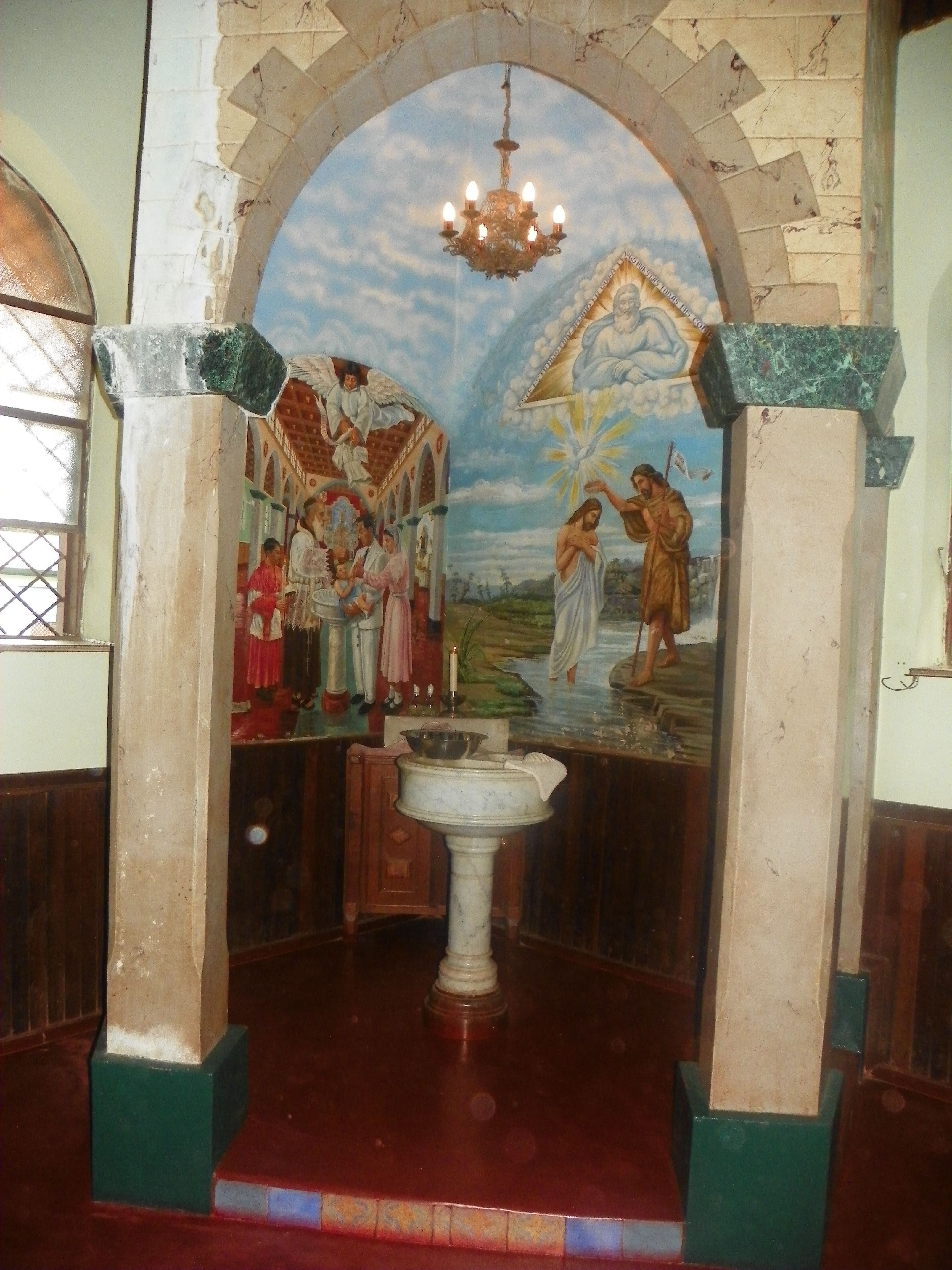 Interior Da Catedral De Santa Elena De Uairen Venezuela