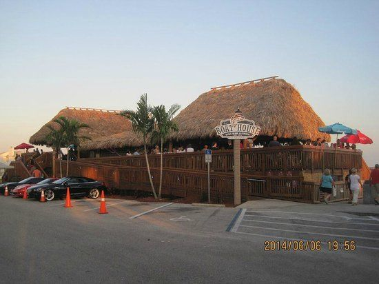 Boathouse Tiki Bar And Grill Cape Coral See 598 Unbiased Reviews