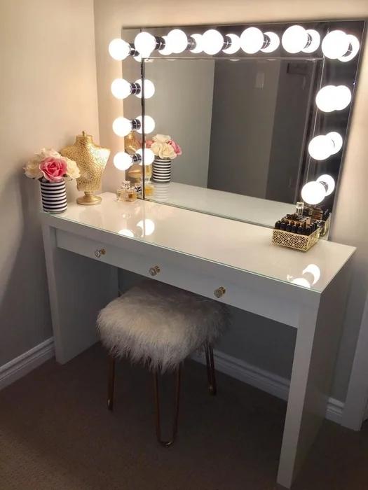 VANITY MIRROR WITH DESK & LIGHTS Diy vanity mirror, Diy