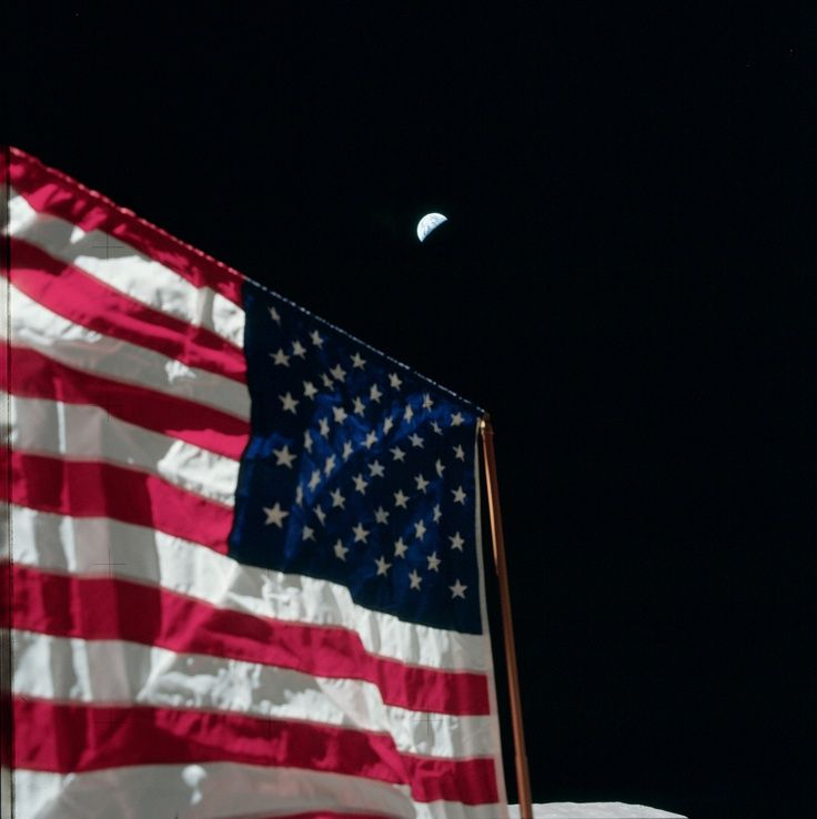Nasa American Flag American Flag On Moon With View Of Earth American Flag History American Flag World Images