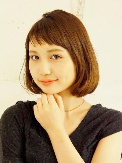 前髪ありのストレートヘアって可愛くもクールにも清楚にも前髪次第で