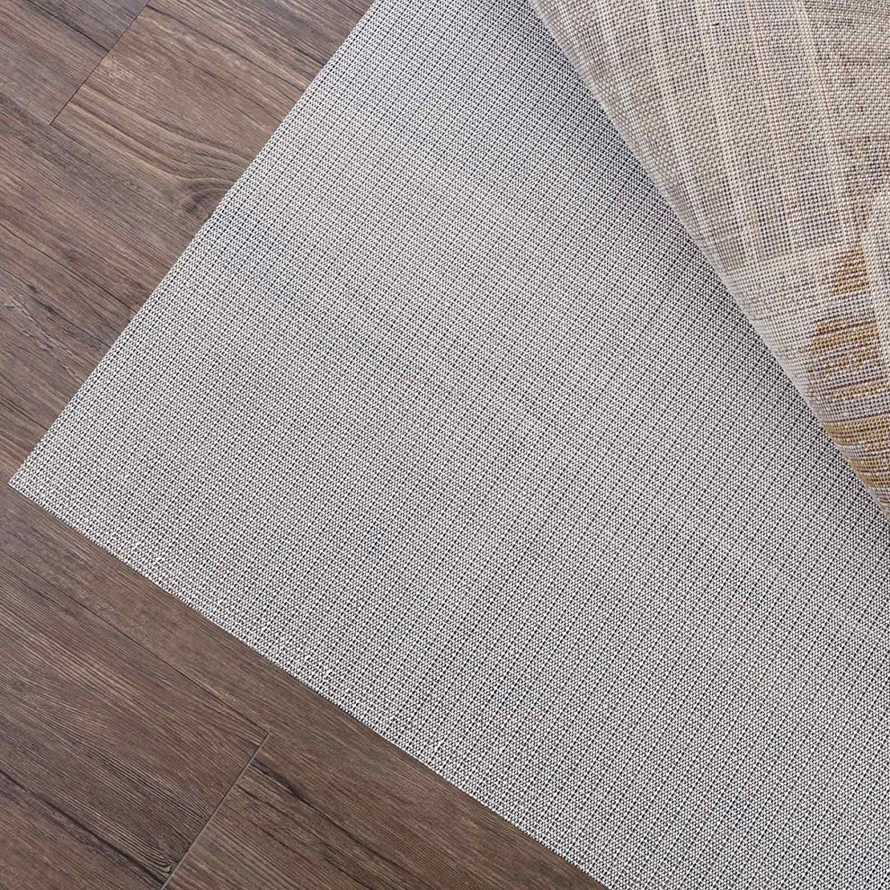 5ea3b39af95bb16b24a2a8815a0e8dc4 - How To Get The Folds Out Of A New Rug