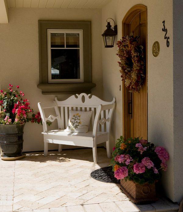 Ideas para decorar la puerta de entrada con plantas y for Decoracion de la puerta de entrada