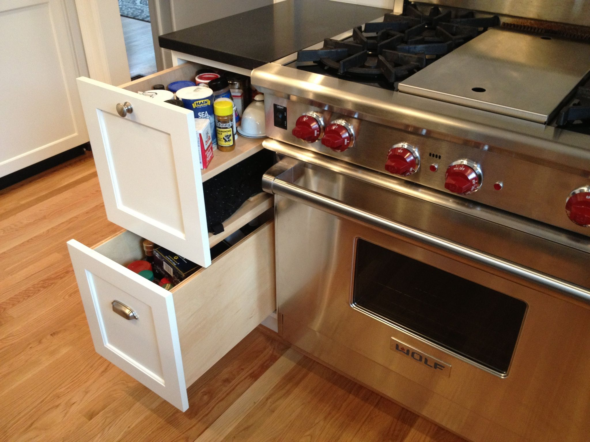 Contemporary range from wolf model 4 burners griddle - Pull Out Spice Rack Next To Wolf 4 Burner Gas Range With Griddle Drawer For