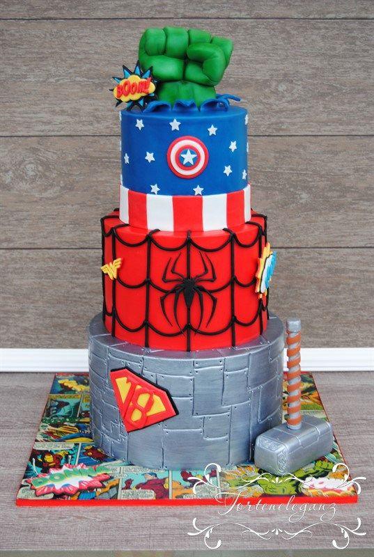 marvel torte mit superman spiderman hulk und captain america geburtstagstorten pinterest. Black Bedroom Furniture Sets. Home Design Ideas