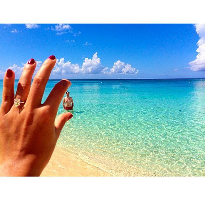 Brides.com: 19 Amazing Engagement-Ring Selfies