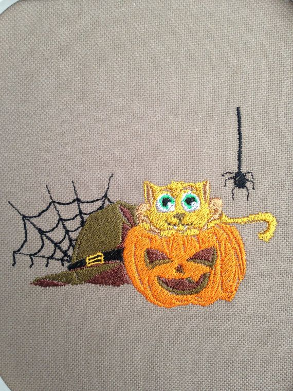 Motif broderie machine chat citrouille halloween