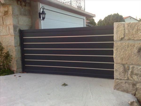 Puerta-aluminio-portal-detalle Walkway gate ideas Pinterest