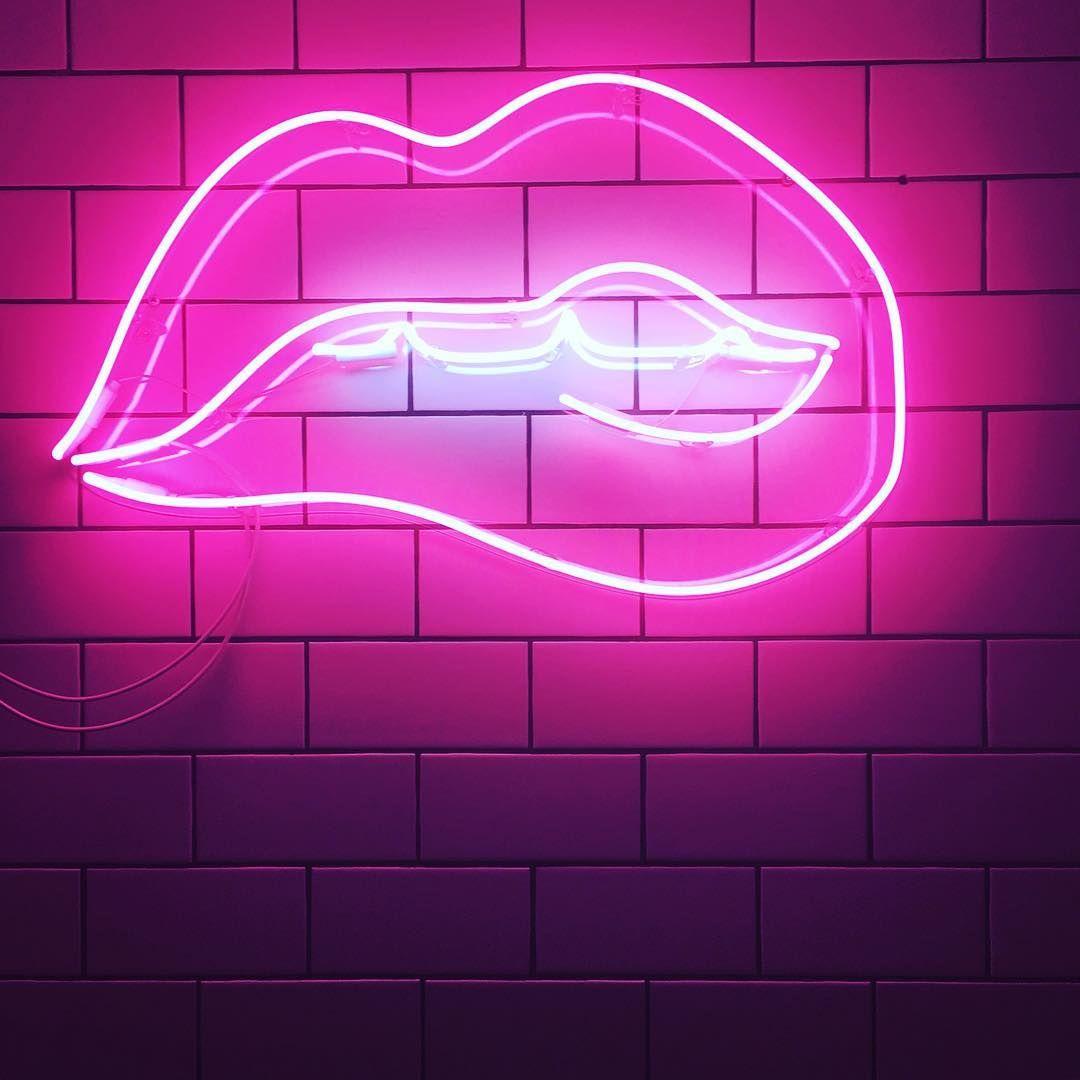 Neon lips forever... 💓💓💓 . . . . neon lips pinklights