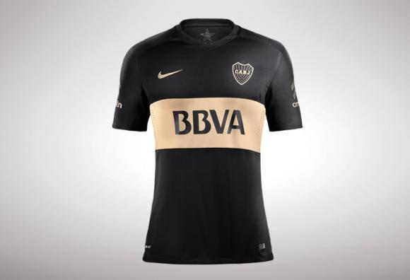 Nike presentó la nueva camiseta alternativa de Boca y otra vez soprende  es  de color negro con una franja dorada. ¡A conseguirla! 97830a7a7b5bc