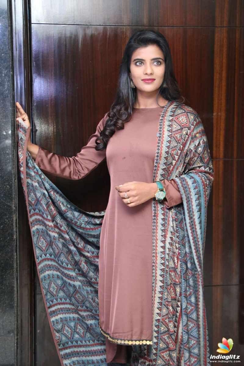 Aishwarya rajesh photos tamil actress photos images