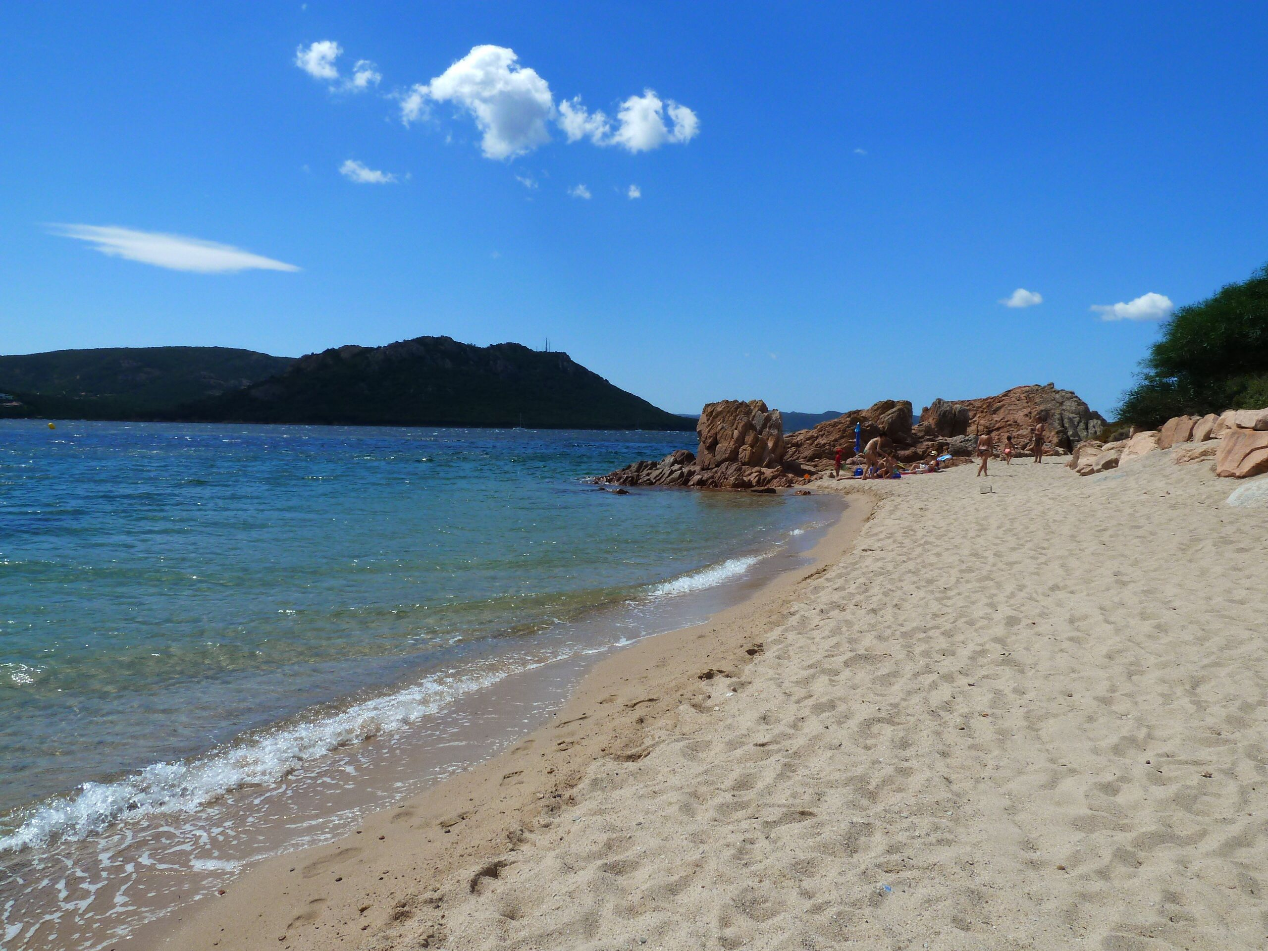 Cala Rossa Cove in Lecci - South Corsica - France - Plages.tv