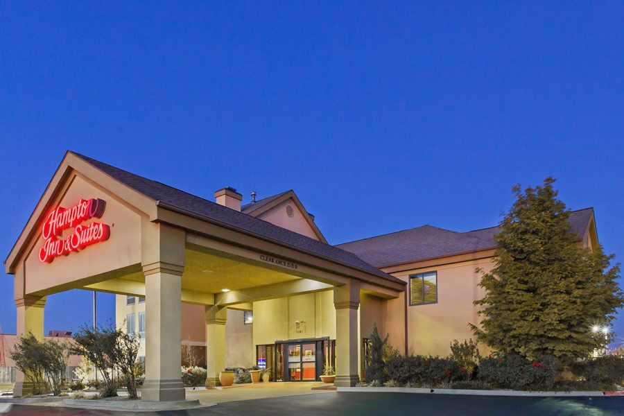 Hotel Crowne Plaza Tulsa Southern Hills Tulsa Usa For Exciting