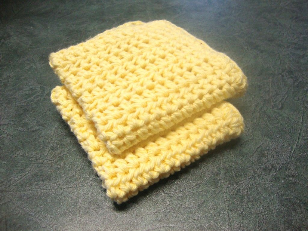How to Make a Crocheted Dishcloth: Easy Pattern Using Half Double ...