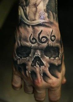 3d Tatouage Homme Main Tete De Mort 666 Tatoo Pinterest