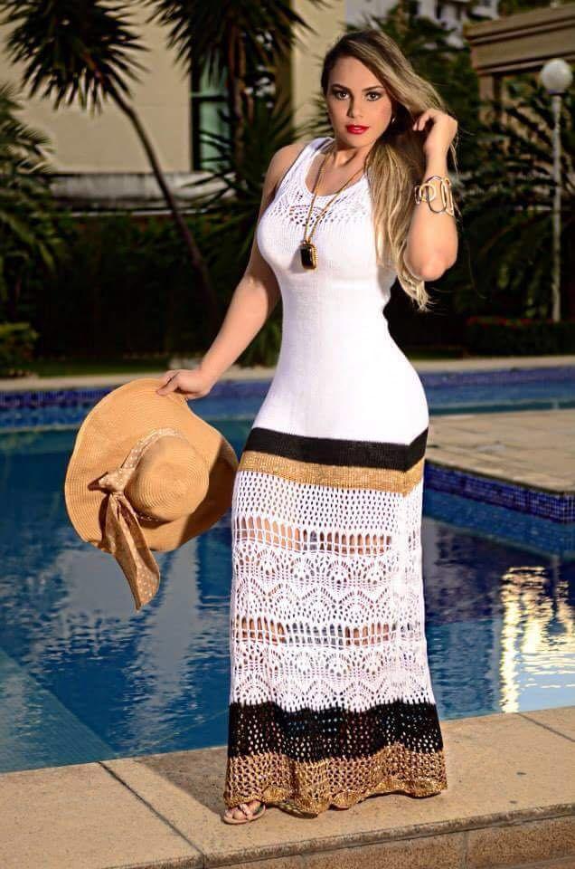 Qual sapato usar com vestido longo marrom