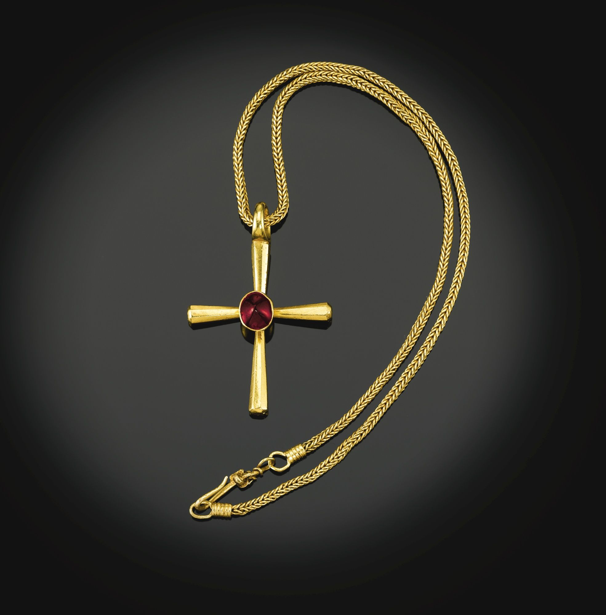 Byzantine th th century gold the obverse of the cross with a
