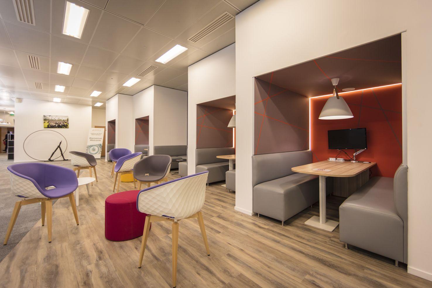 Realisation Edhec Business School Paris En Collaboration Avec Famo Fauteuils Unika Et Box Sur Mesure Avec Images Mobilier Bureau Bureau Contemporain Mobilier