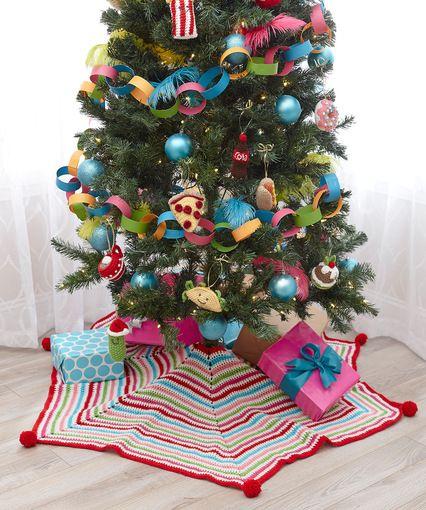Pompom Trimmed Tree Skirt - free crochet pattern by Salena Baca at ...