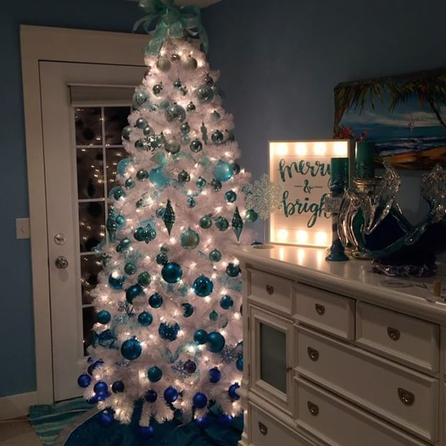 My Blue Crush Ombre Christmas Tree In Our Master Bedroom Is Complete And Was Inspired By Betterhomesandgar Aqua Christmas White Ornaments Ombre Christmas Tree