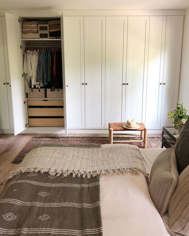 30 Small Yet Amazingly Cozy Master Bedroom Retreats: HousesevendesignAre You Tired Of This Scene Yet?!? I'm