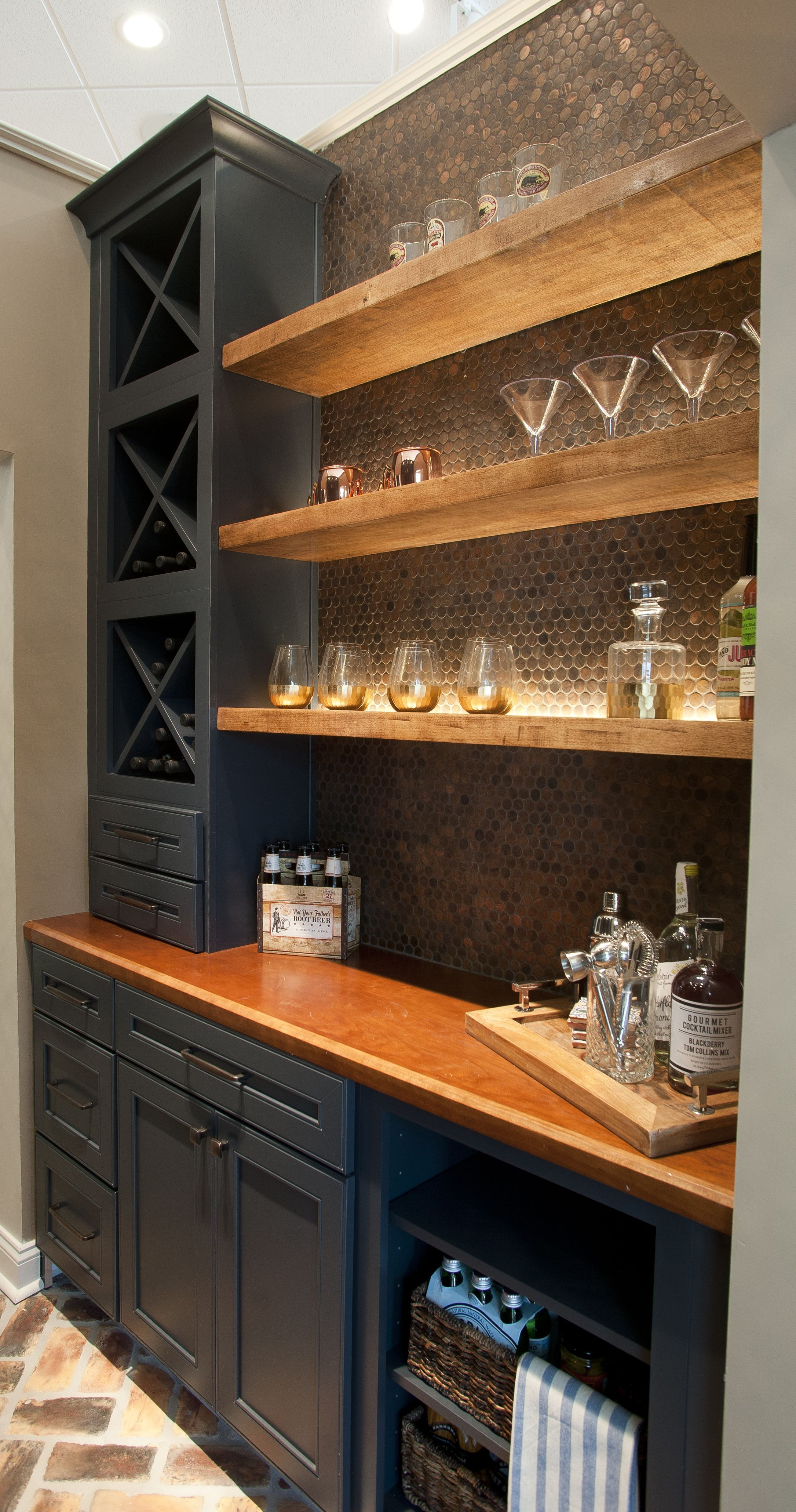Pin By Taki Maki On Kitchens Bars For Home Home Bar Designs