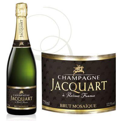 Jacquart Brut Mosaique - 'Lys gyllen farge, med små og fine bobler. Grønne og gule epler i nesen, noe mineralsk preg, og aromaer av gjærbakst. Frisk syrlighet, fruktig og frisk smak av gule epler, hint av gjærbakst og gips, middels fylde, litt kremete konsistens, og med en bra lengde. En nydelig champagne når frokosten går over i lunsj. Kjøp to for sikkerhets skyld!'