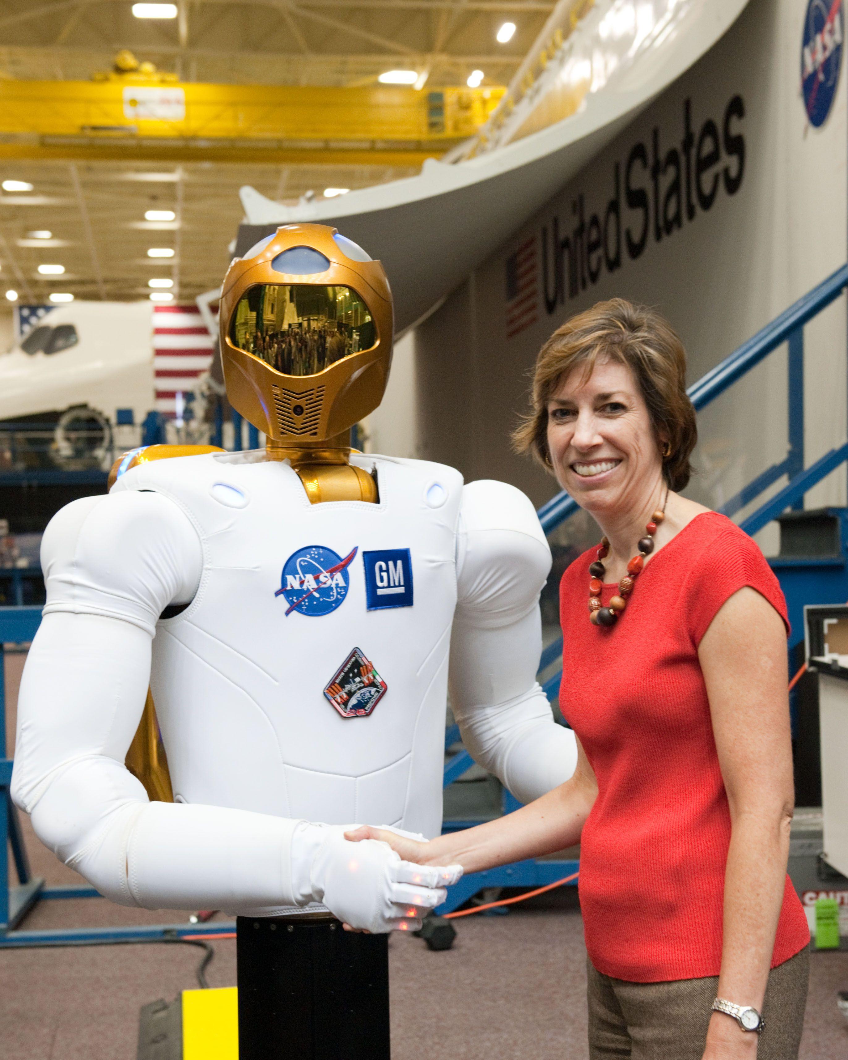 Ellen Lauri Ochoa ha sido astronauta de la NASA y es la ...
