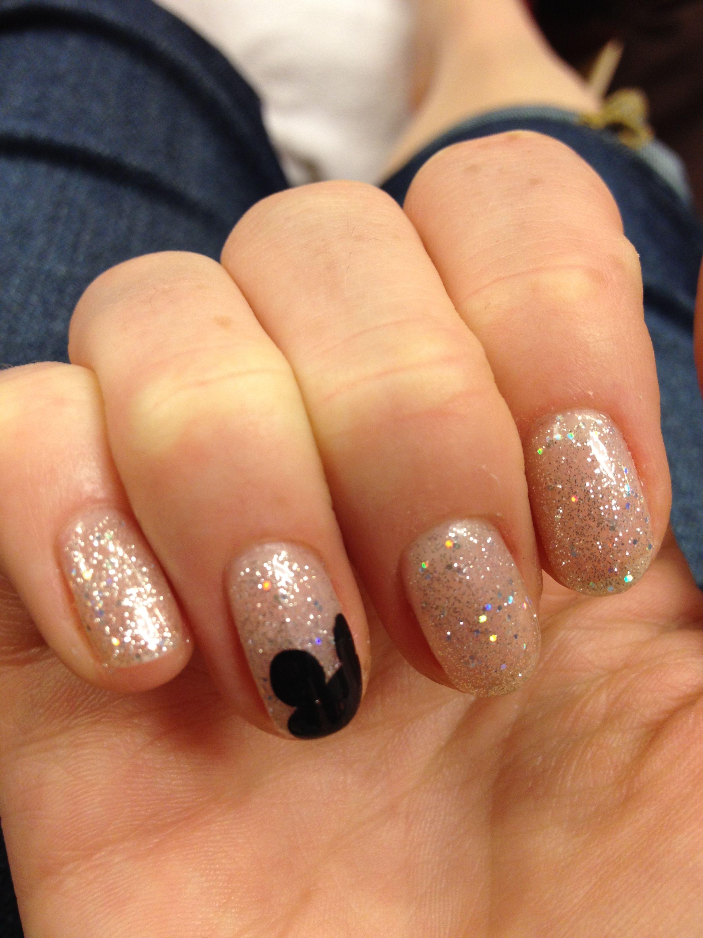 Disney nails | Mickey nails, Disney nails, Disneyland nails