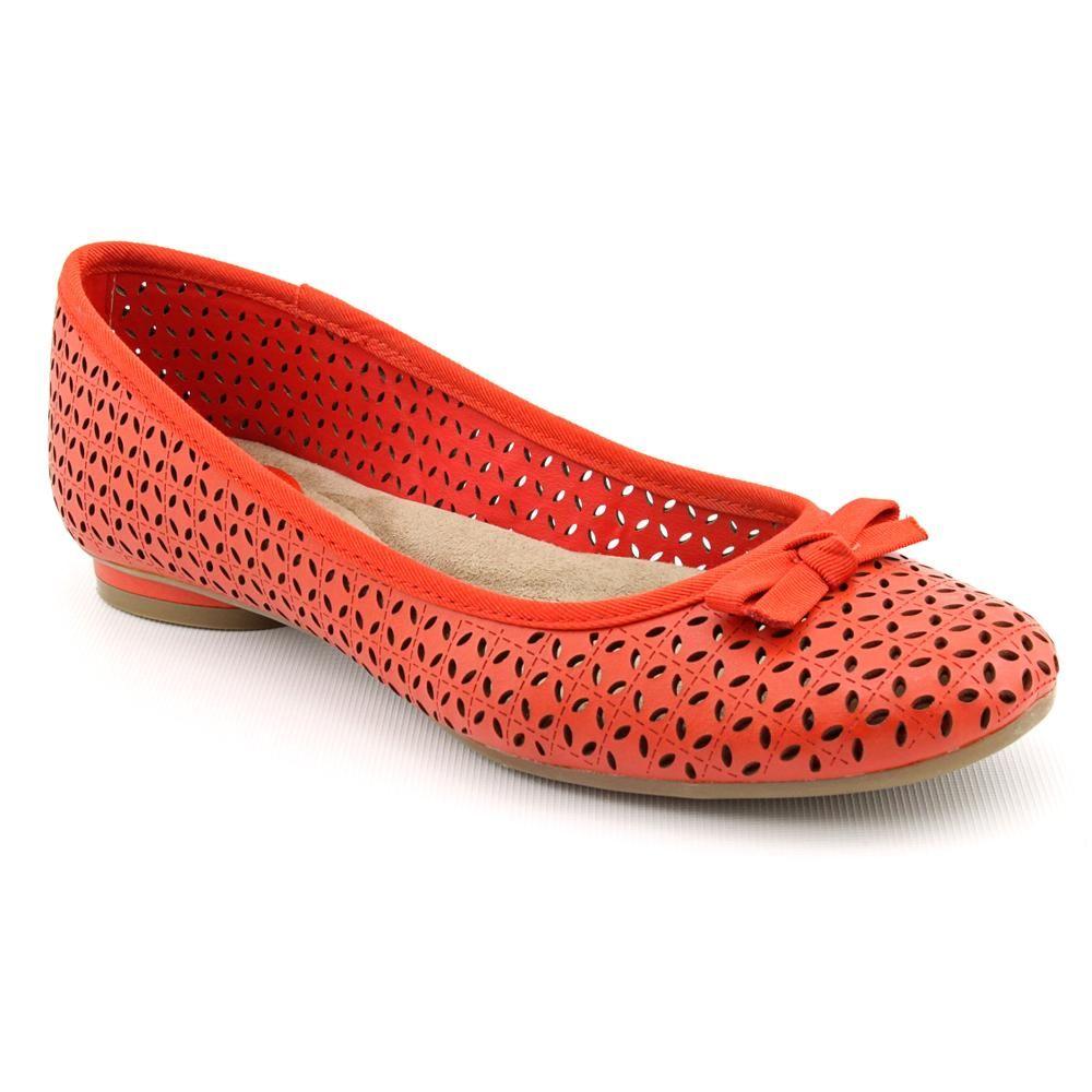 Giani Bernini Women's 'Roberta' Synthetic Dress Shoes