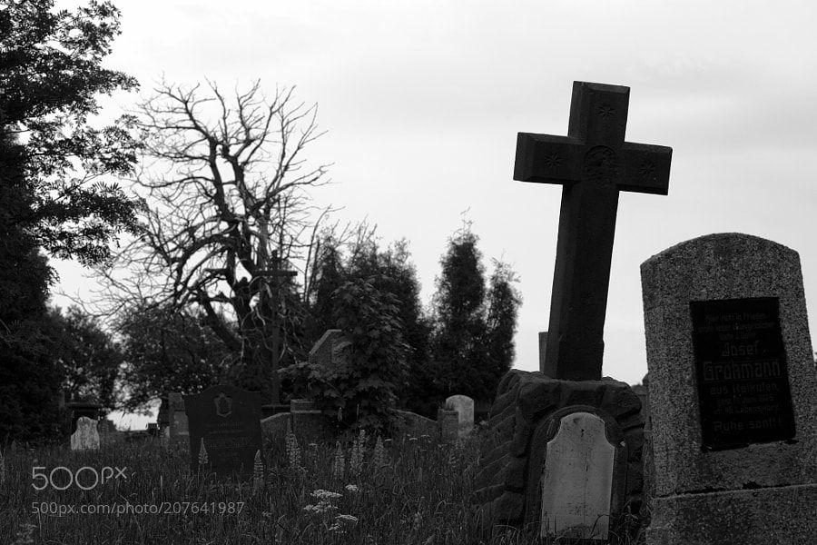 Das Kreuz by geigenholger