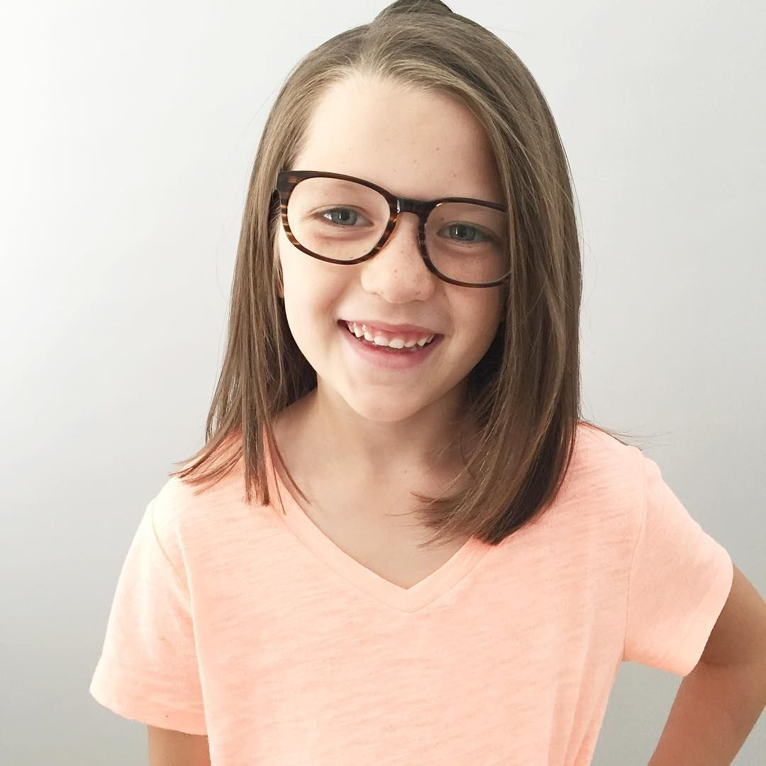 lost-naked-little-girls-with-glasses