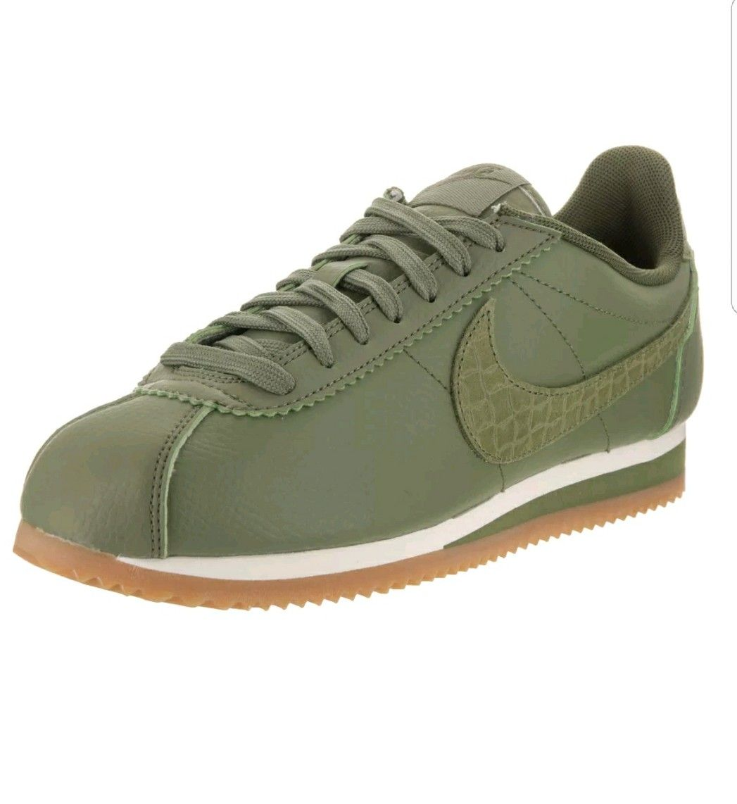 Nike Women's Classic Cortez Leather Lux Palm Green/Palm Green Sail Casual  Shoe 8 Women US, Size: 8 Medium