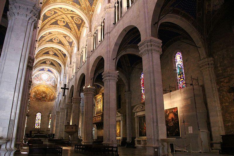 Lucca Cattedrale Di San Martino Interno Nel 2020 Cattedrali Lucca Firenze