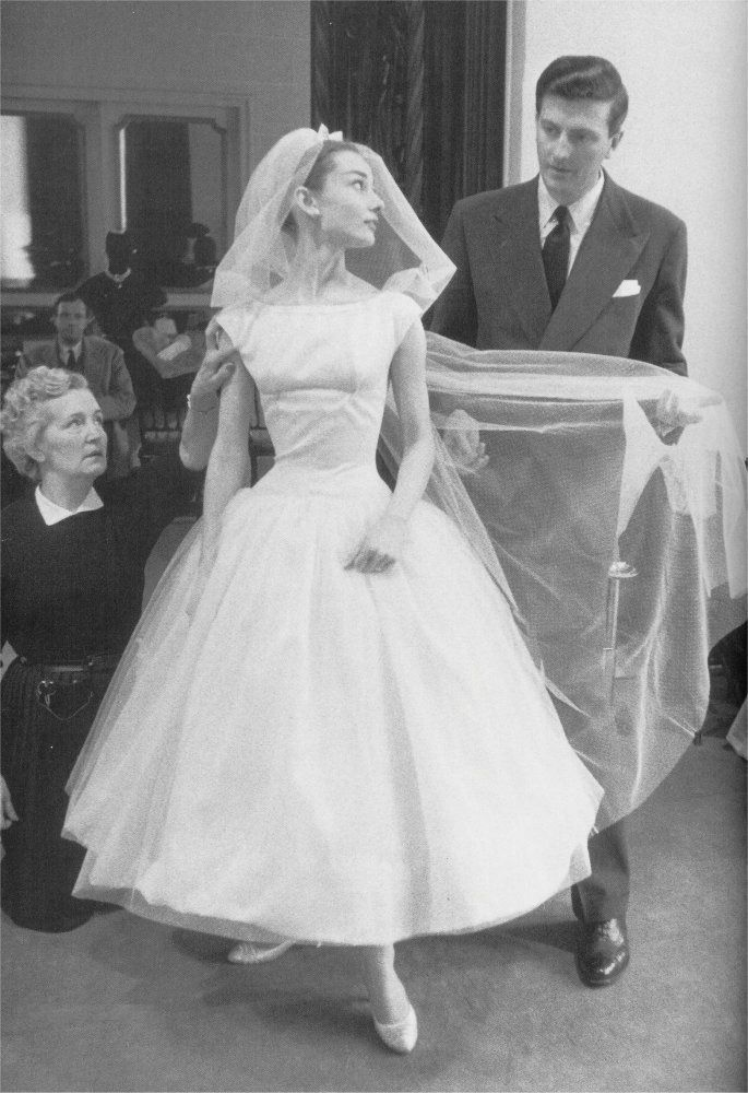 Audrey Hepburn wedding dress funny face | Fashion - Wedding ...