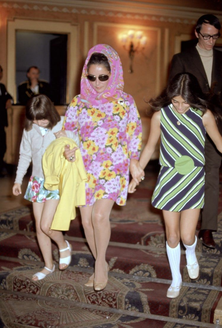 Liz taylor with daughters maria and liza all looking