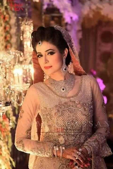 Meerab pictures of wedding