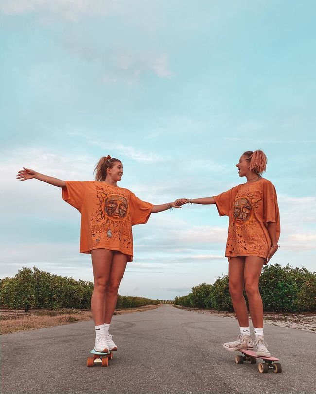 Go bestie 👯♀️  #puravidabracelets #bestie #friends #twins #matching