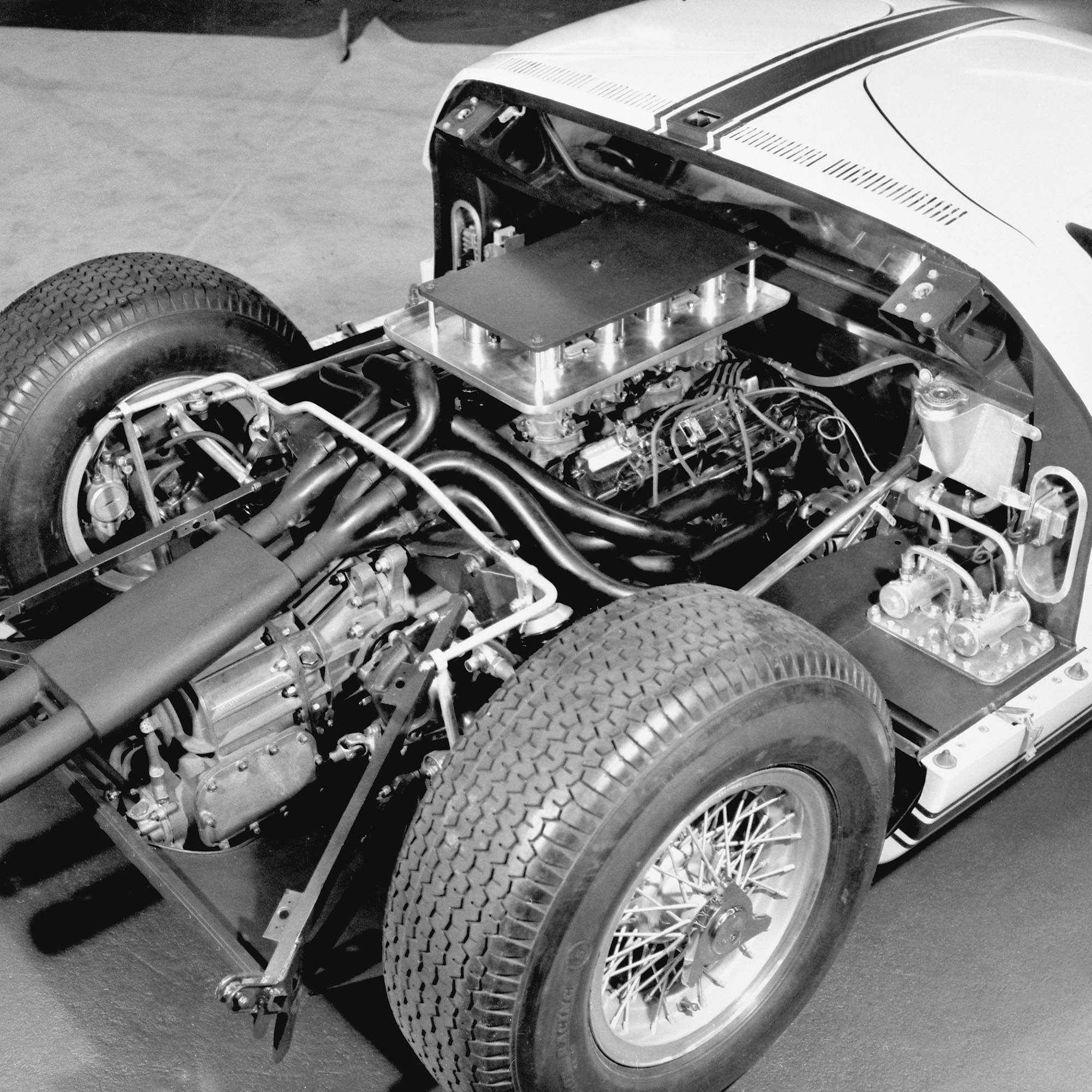The Story Of The Ford Gt40 Told By 25 Rare Photos Ford Gt40