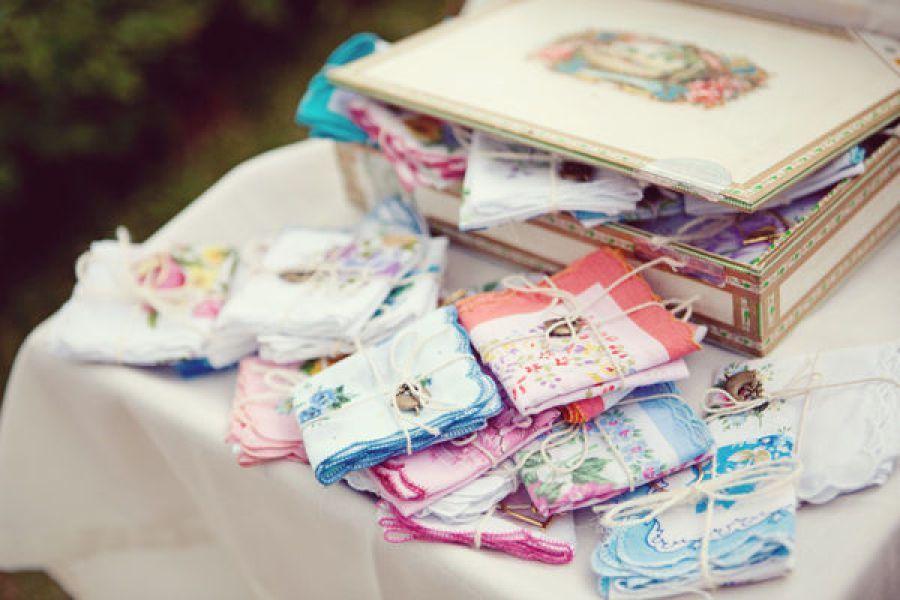 pañuelos vintage para tus invitadas