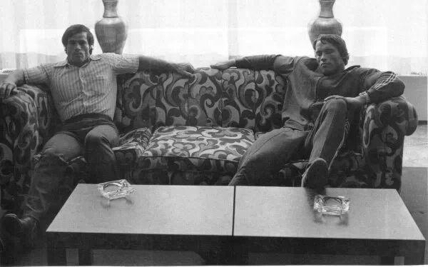 Arnold Schwarzenegger and Franco Columbu chilling on the sofa Art - fresh arnold blueprint day 11