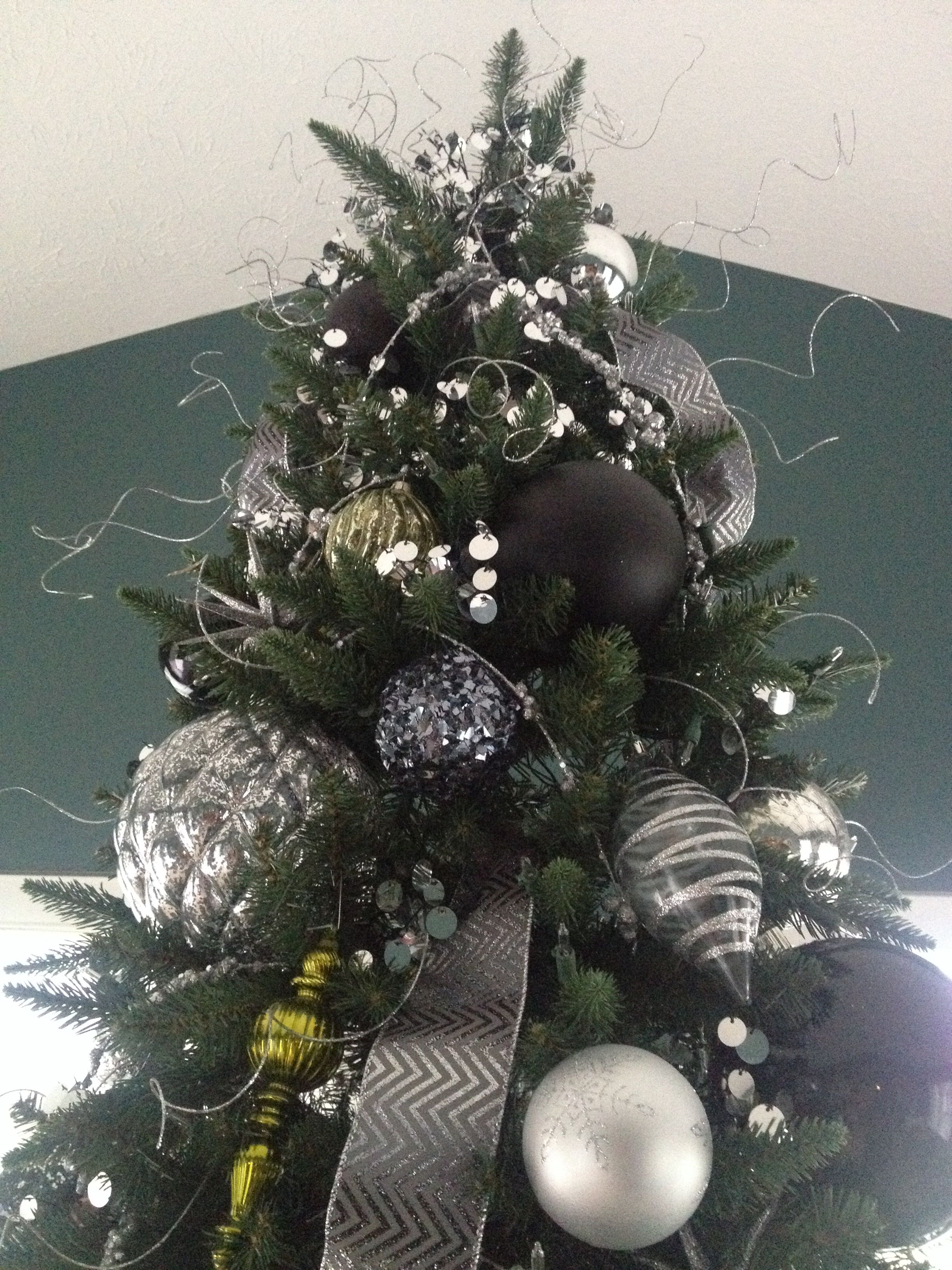 Black Christmas Ornaments.Black Silver And Green Christmas Tree The Holidays