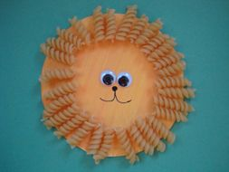 Lion craft using rotini pasta