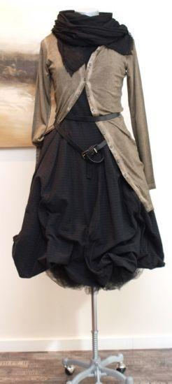 stilecht mode f r frauen mit format rundholz kleid wire pinstripe schwarz winter 2013. Black Bedroom Furniture Sets. Home Design Ideas