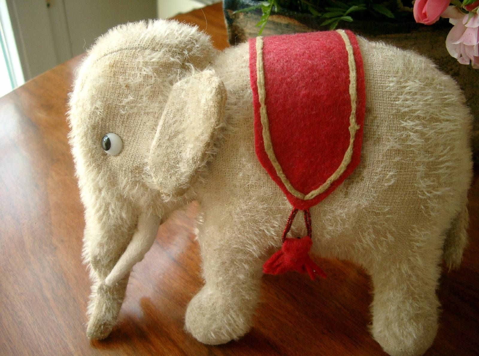 Toller kleiner alter Elefant, ein Freund für die Puppen | eBay